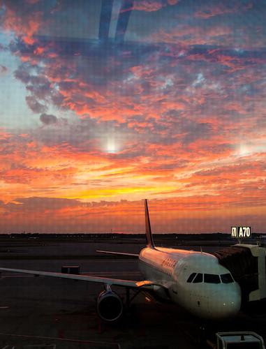 sunset airplane airport michigan jet delta a70 dtw detroitmichigan deltaairlines canonefs1785mmf456isusmlens detroitmetropolitanwaynecountyairportdetroit gatea70