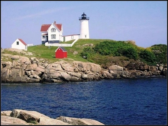 Nubble Light York Beach, Maine - Photo by STEVEN CHATEAUNEUF - August 19, 2011
