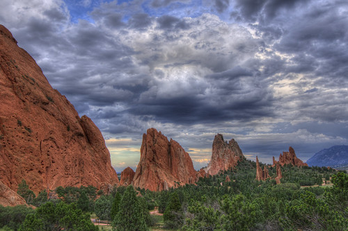 park sunset sky mountain tree nature clouds landscape photo sandstone colorado image picture gardenofthegods coloradosprings geology redrock facebook hogback 201108