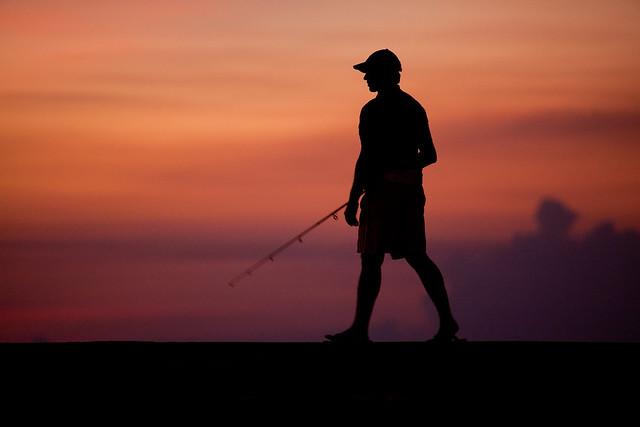 Malecon Ciudad de la Habana Cuba - Pescatore al Tramonto