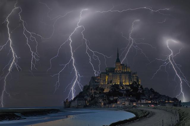 Le Mont Saint Michel Sous l'Orage