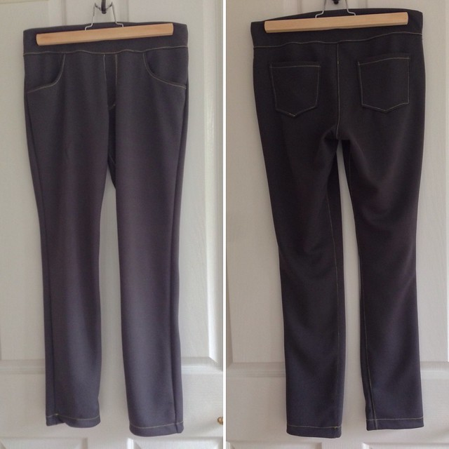 Ottobre 05/2014 'Lampi Leggings' in dark grey ponte (maybe?) with yellow contrast stitching.