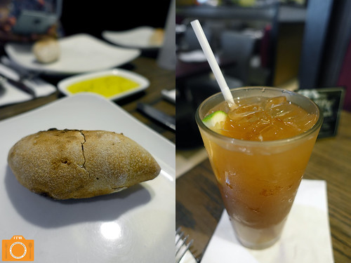 Village Tavern bread and iced tea | by foodreviewsmanila