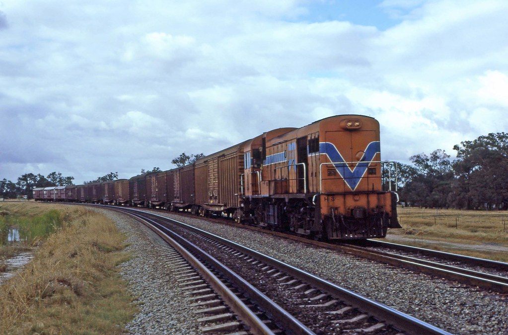 H3 freight Wattle Grove by 8888transportpix