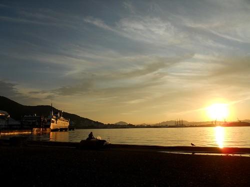 sunset sea japan port geotagged hokkaido hakodate geo:lat=4177415064137856 geo:lon=14072442300006105