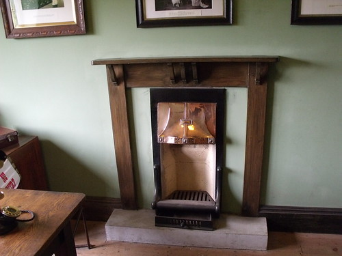 Black Country Living Museum - The Workers' Institute - fire place | by ell brown
