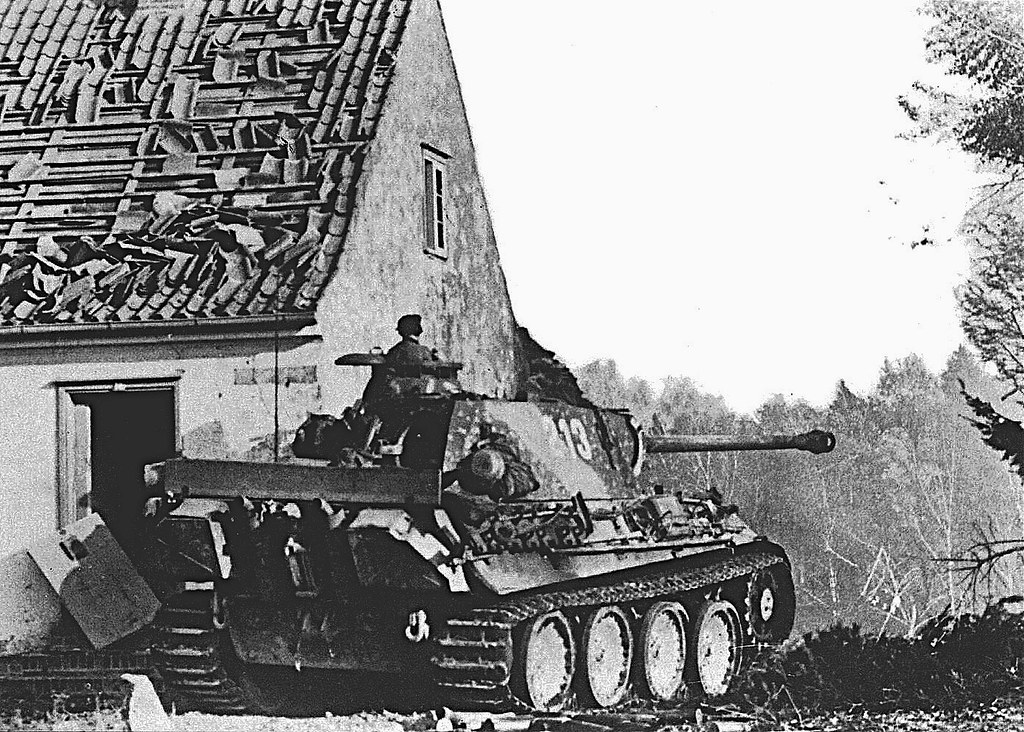 "Panther Ausf.G ""213"", Pz.Rgt. 31, 5. Panzer-Division, patrolling on the outskirts of Goldap, East Prussia, four days after the counterattack conducted by the Wehrmacht, who retook the first city of German Reich to fall for the Red Army. 7 November 1944."
