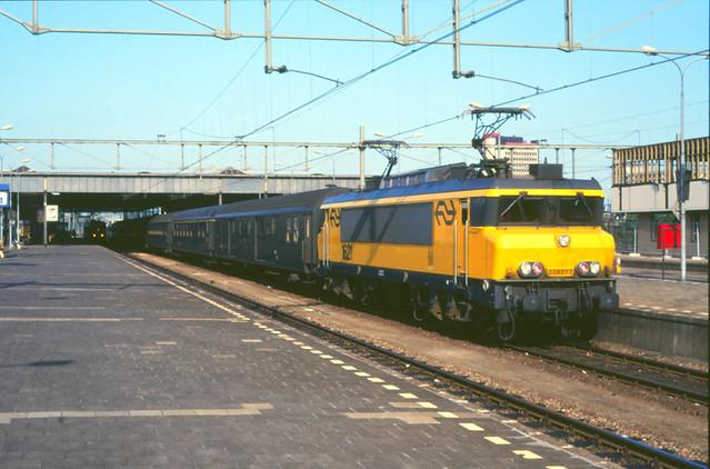 08416167-3953 Eindhoven 12 juli 1987