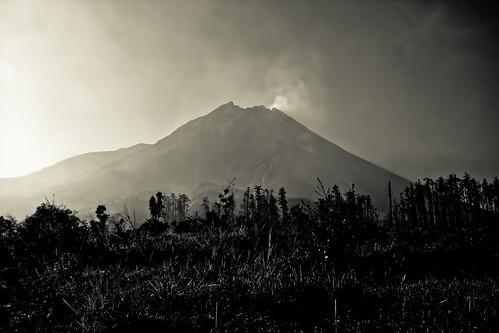 indonesia volcano java merapi volcan mountmerapi gunungmerapi