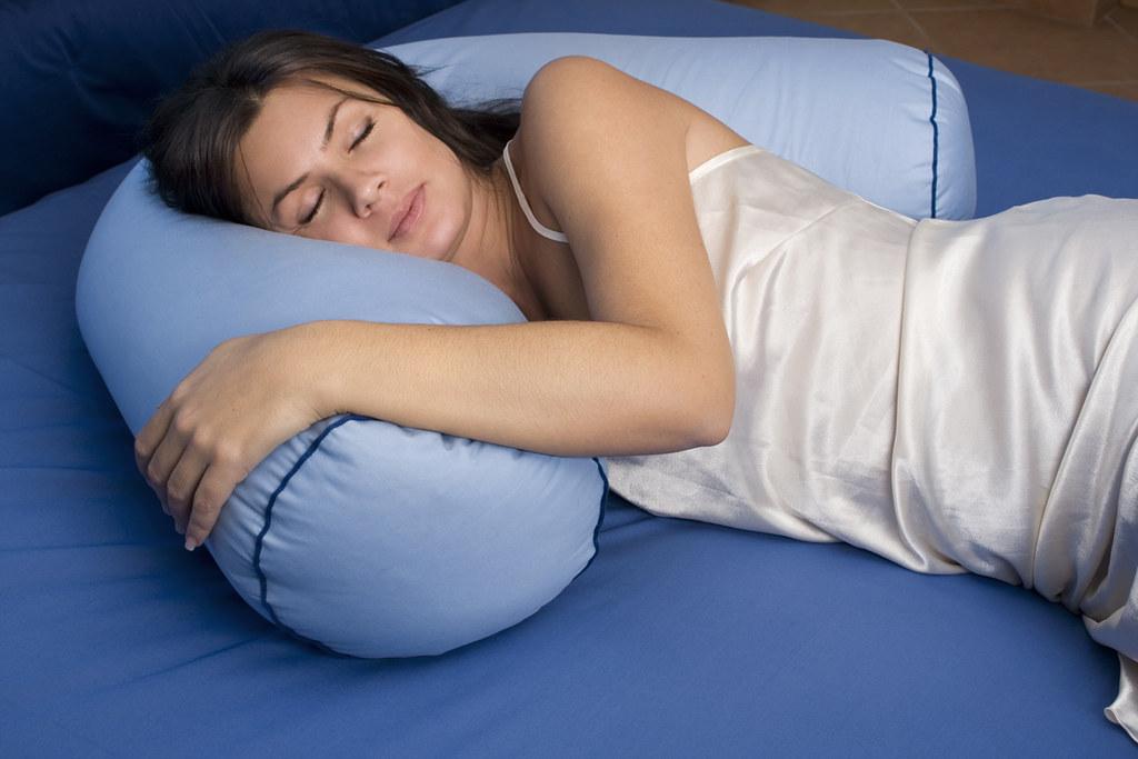Cuscini Danesi.Il Cuscino Boomerang Il Cuscino Che Ti Abbraccia Piumini