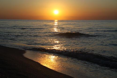 sea italy sunrise canon italia mare alba sigma sole riflessi calabria spiaggia ionio eos50d antonellotommy