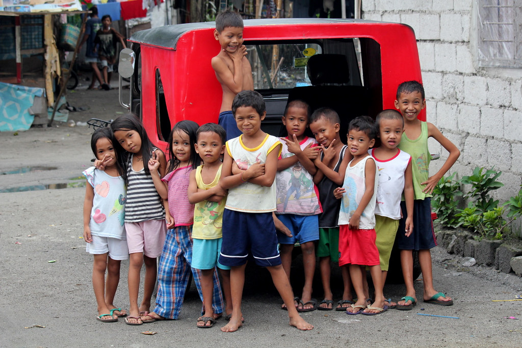 Asia - Philippines / Living in the slums of Angeles - a