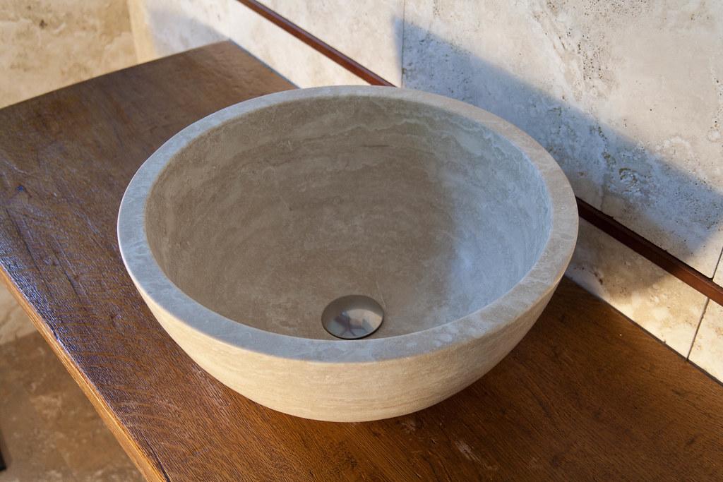 lavabo per bagno in travertino chiaro mod. Fiano | PIETRE ...