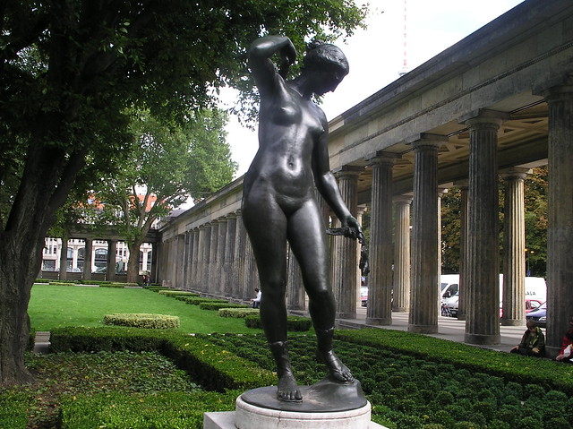 1910 Berlin Diana von Reinhold Felderhoff Bronze Kolonnadenhof Bodestraße in 10178 Museumsinsel
