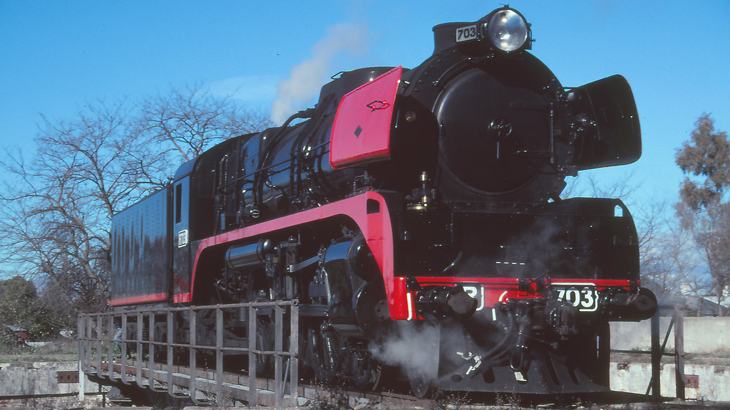 R703 at Benalla by michaelgreenhill