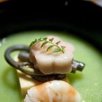 お椀 うすい豆すり流し 白魚豆腐 海老 わらび 木の芽, 板前心 菊うら, 新宿