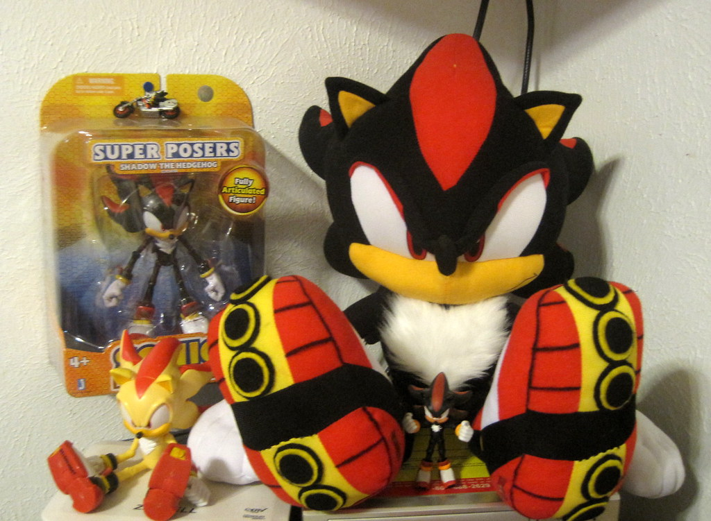 Shadow S Corner Sonic The Hedgehog Shadow Plush And Figu Flickr