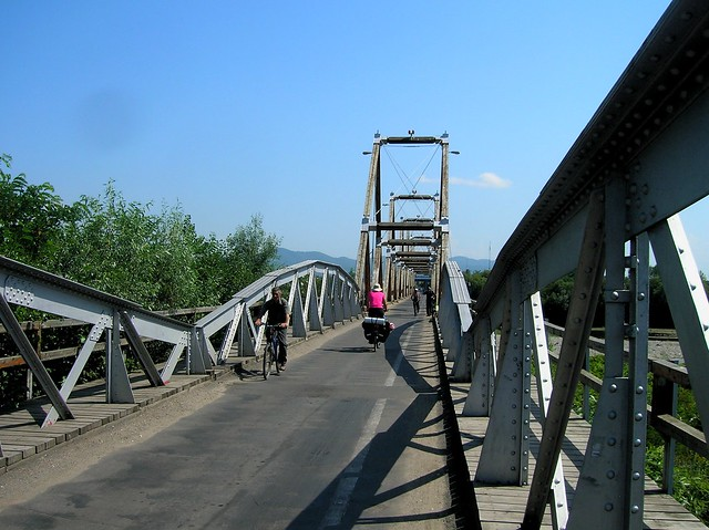 Bridge between Solotvyno, Ukraine and Sighetu Marmatiei, Romania by bryandkeith on flickr