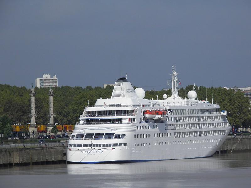 Silver Cloud dans le Port de Bordeaux - P9100212