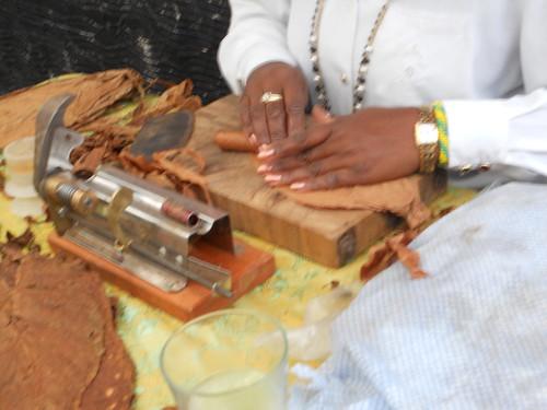 Berta Corzo rolling a Cuban Cigar