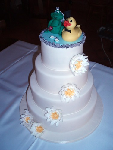 DUCK AND FROG WEDDING CAKE | by fati dream cakes