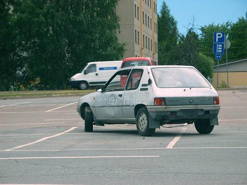 geotagged parkinglot geocoded peugeot imatra parkkipaikka geo:tool=georetagr geo:lat=611894055556 geo:lon=287749722222 pösö