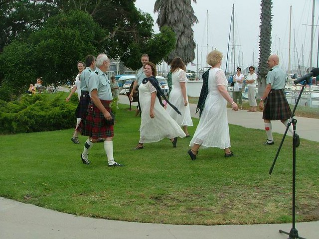 C_Scottish Country Dancers 100