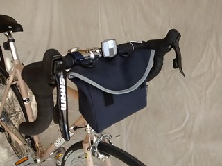 Ostrich handlebar bag on Soma | by boulevard.bikes