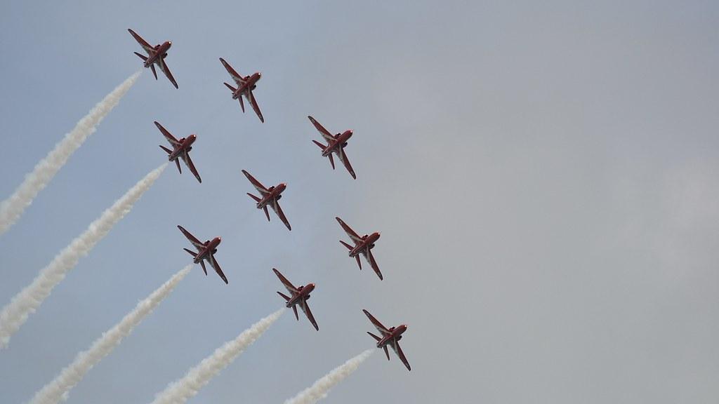 Eastbourne Air Show >> Eastbourne Air Show Airbourne 2011 Red Arrows Raf Displ Flickr