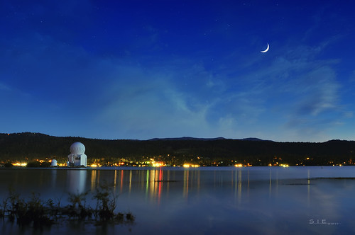blue sky moon mountains reflection beach water night clouds stars lights solar observatory planetarium bigbearlake