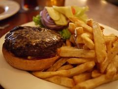 水, 2011-08-10 21:16 - Guiness Burger