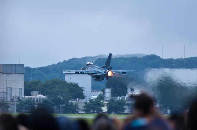 F-2 take off