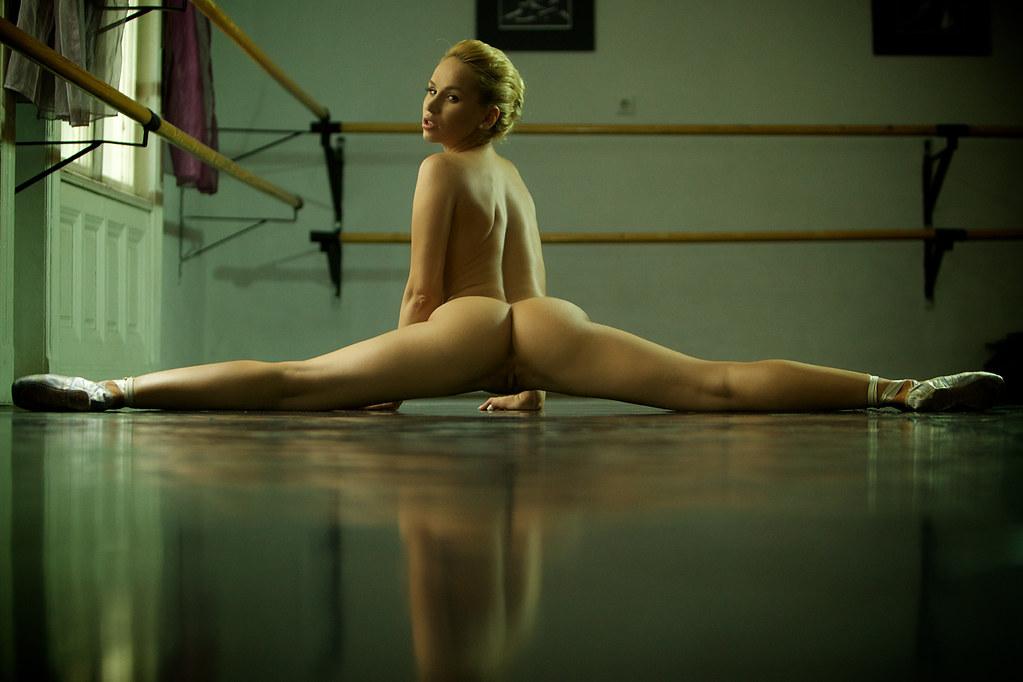 Naughty naked splits