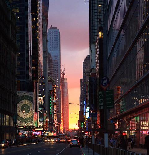 street nyc sunset usa newyork atardecer calle tramonto rue crépuscule coucherdesoleil 42ndstreet estadosunidos nuevayork crepuscolo amérique etatsunis crepuscolosunsetssunrisesnights vigilantphotographersunite vpu2 vpu3 vpu4 vpu5 vpu6 vpu7 vpu8 vpu9 vpu10 vup3