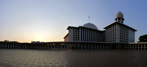 Istiqlal   by Ronggur Habibun