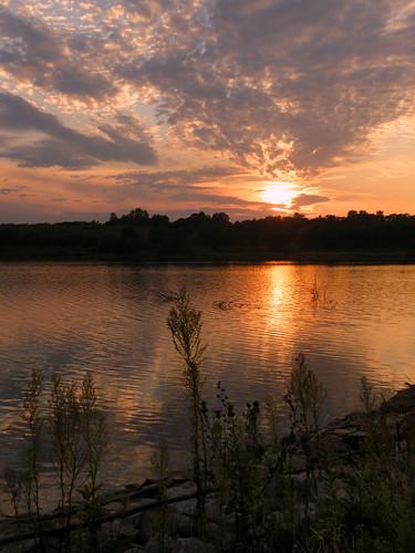 sunset sky lake night sundown cloudy ne omaha cunninghamlake