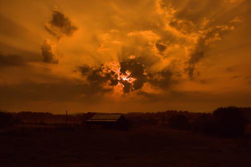 barn sunrise canon tennessee xs