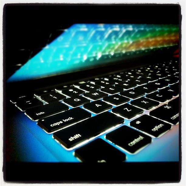 Macbook glow