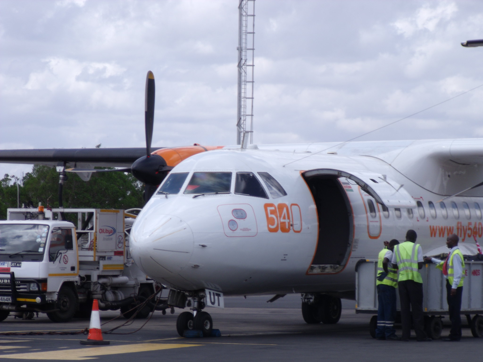 5Y-BUT ATR42-320 Fly540 - Africa's Low-Cost Airlines