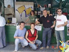 Puesto de la biblioteca municipal en la plaza cardenal orbe con Jesus Portugal entre otros