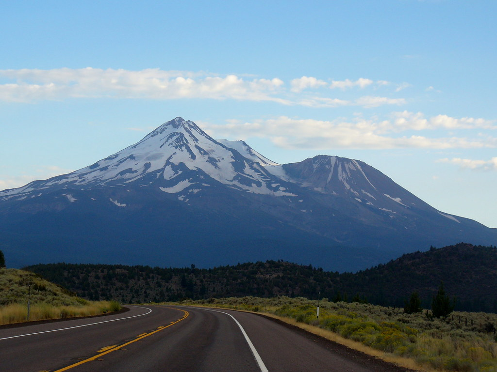 Mt Shasta Ca >> Mount Shasta Ca This Was The View From The I 5 Highway