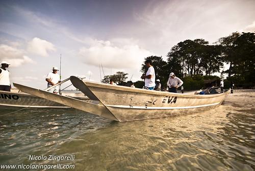 africa sunrise boats fishing fishermen aluminium guineabissau bijagos ouboard kerèisland