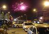 Zahlreiche Teilnehmer aus anderen Ortschaften sind angereist, die anliegenden Straßen sind vollgeparkt. Nach Mitternacht gibt es zum Abschluss ein Feuerwerk.