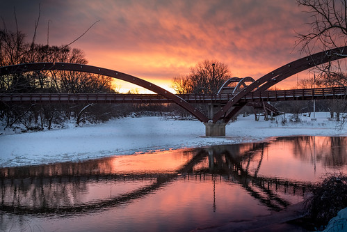 tridge midland midmichigan michigan sunset puestadelsol canoneos5dmarkiv winter invierno cold chilly frigid frozenriver ice reflections