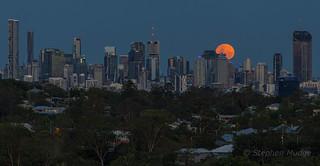 Moonrise behind Brisbane city #1 | by mudge.stephen