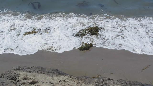 MVI_4313 wave action west goleta beach2