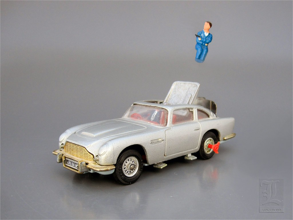 James Bond 007 Aston Martin Db5 No 270 With Ejector Seat Flickr