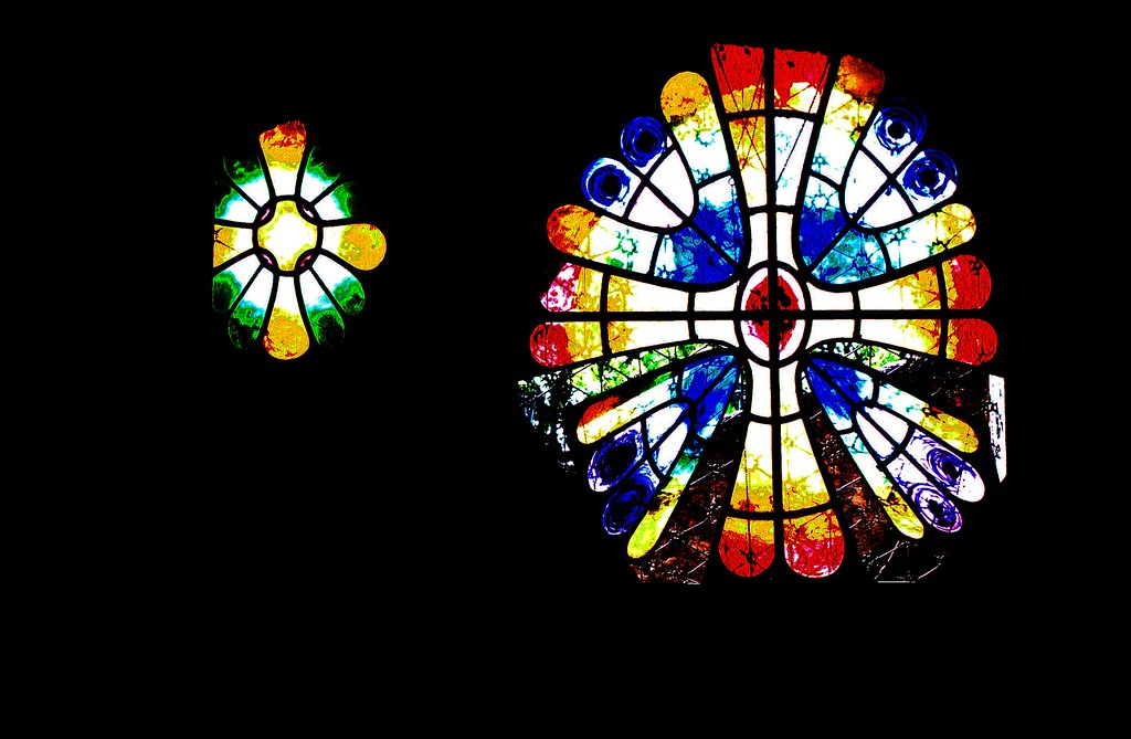 Vidrieres de la Cripta Güell