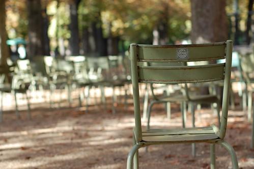 Waiting chair   by vemiya