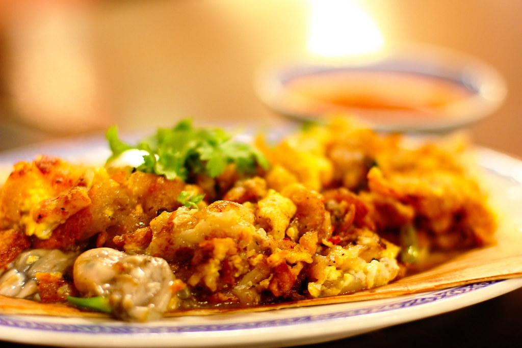 Fancier than your usual omelette, Thai Oyster Omelette is definitely the winner! Source: Flickr